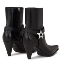 NORTH - Black - Boots