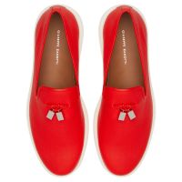 CLEM CUBE - Red - Loafers