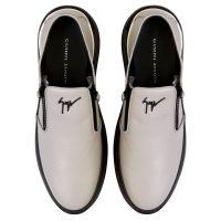 CONLEY ZIP - Grey - Loafers