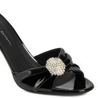 REEVA - BLack - Sandals