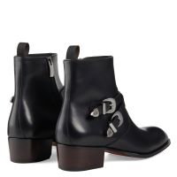 SHELDON BUCKLE - Black - Boots