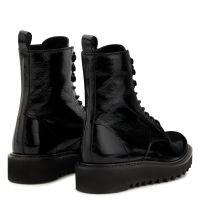 BASSLINE - Boots
