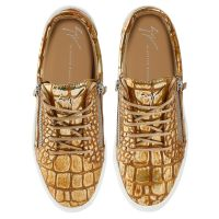 FRANKIE - Gold - Low top sneakers