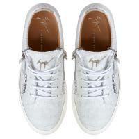 GAIL - White - Low top sneakers