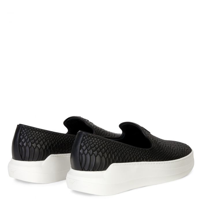 CONLEY - Black - Slip ons