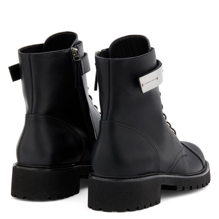 ALEXA - Boots