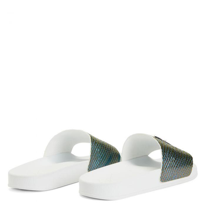 BRETT - Blue - Flats
