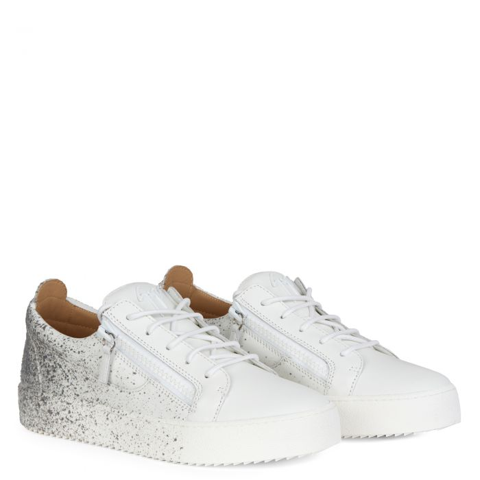 FRANKIE SPRAY - White - Low top sneakers