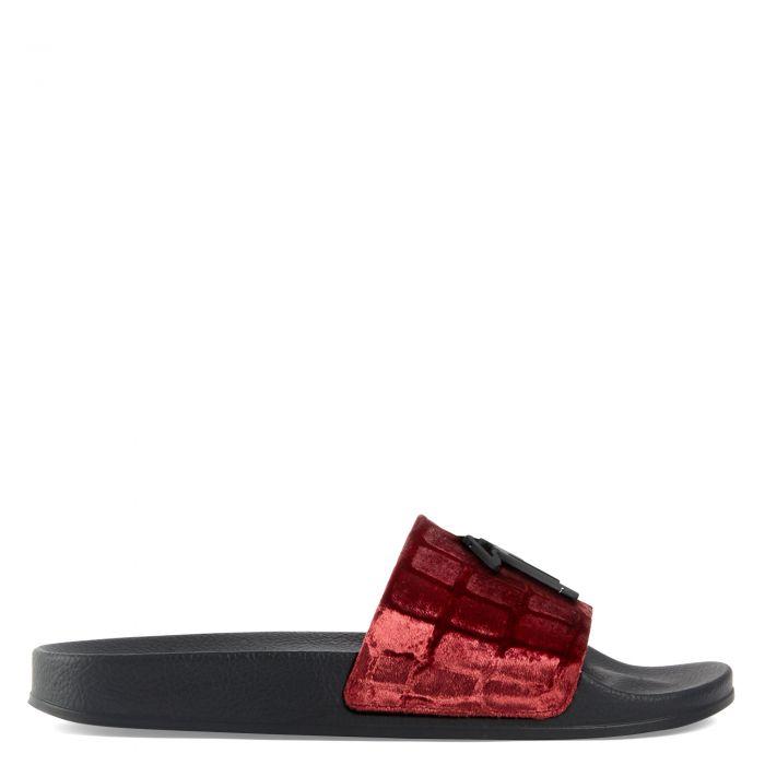 BRETT - Red - Flats