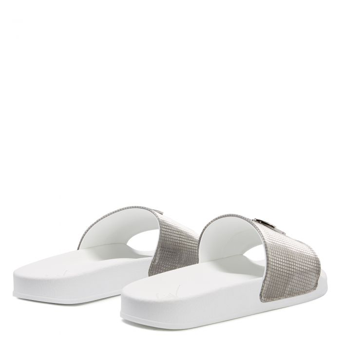 BRETT - Silver - Flats