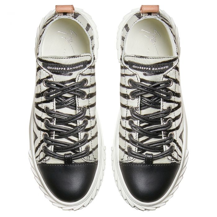 BLABBER - Black and white - Low top sneakers
