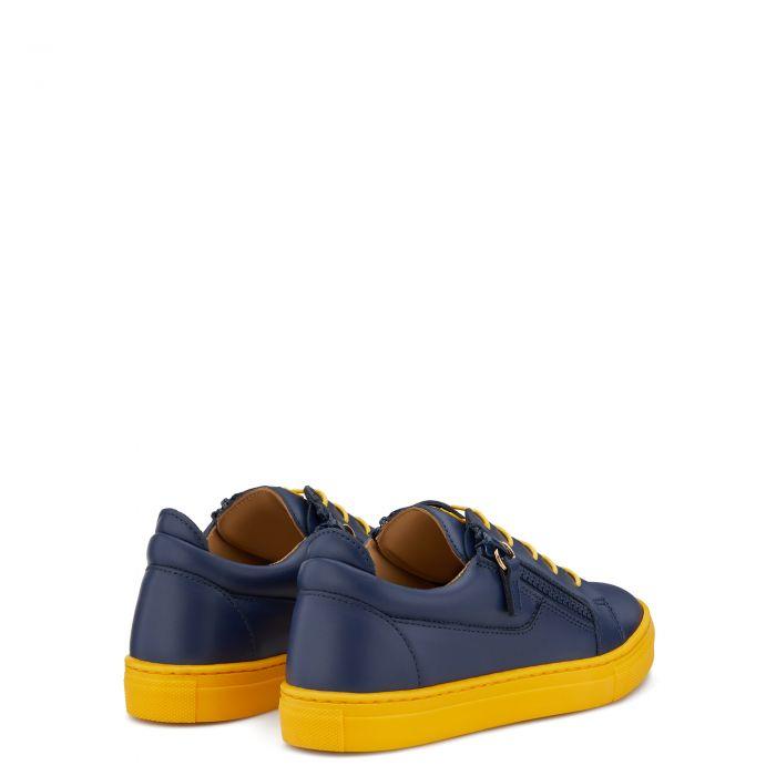 FRANKIE COLOR JR. - Blue - Low top sneakers